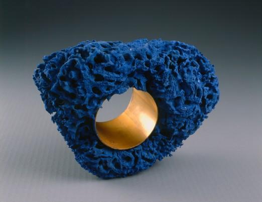 bracelet eponge bleue christian astuguevieille n en 1946 1984. Black Bedroom Furniture Sets. Home Design Ideas
