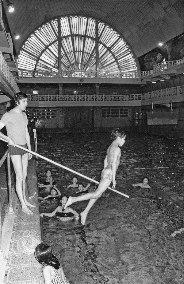 Histoire de la piscine de roubaix mus e de la piscine de for Cheb hichem 2015 la piscine
