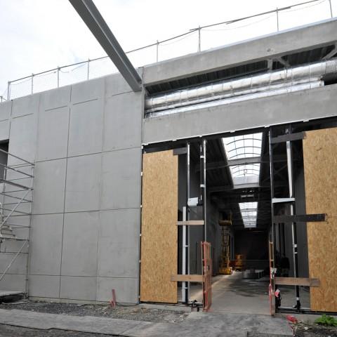 27.09.17 Nouvelle aile Rue de l'Espérance. Vue de la galerie de sculpture moderne depuis le patio de sculpture.